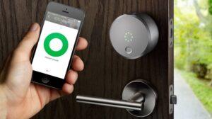 قفل در هوشمند در خانه هوشمند